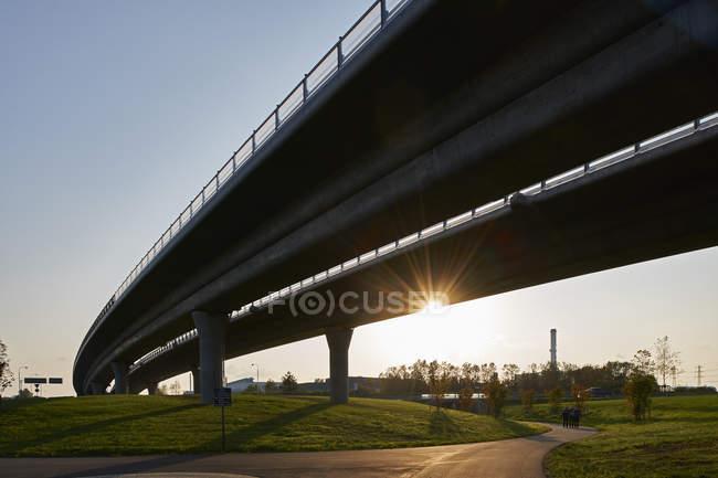 Vista panoramica del ponte sul parco di Malmo, Svezia — Foto stock