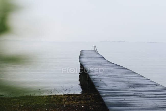 Wooden jetty on Baltic Sea in Salto, Sweden — Stock Photo