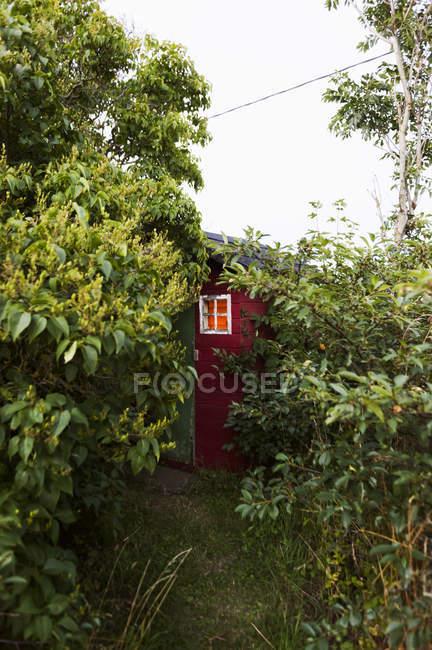 Vista di outhouse su Gotland, Svezia — Foto stock