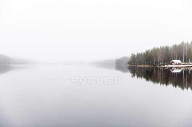 Fog over Ormlangen lake in Finspang, Sweden — Stock Photo
