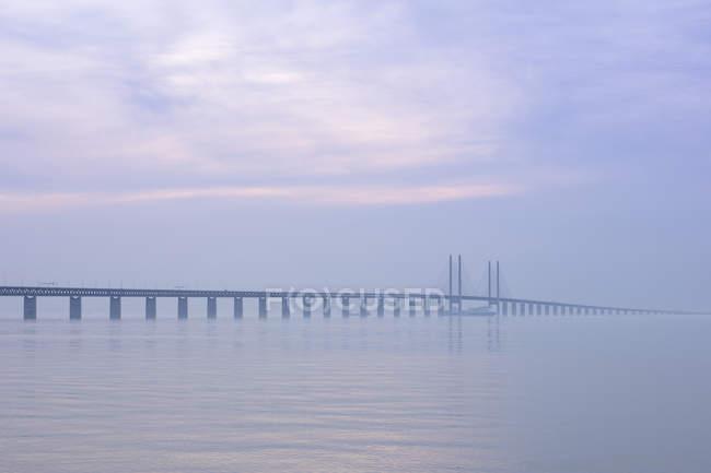 Scenic view of bridge and sea — Photo de stock