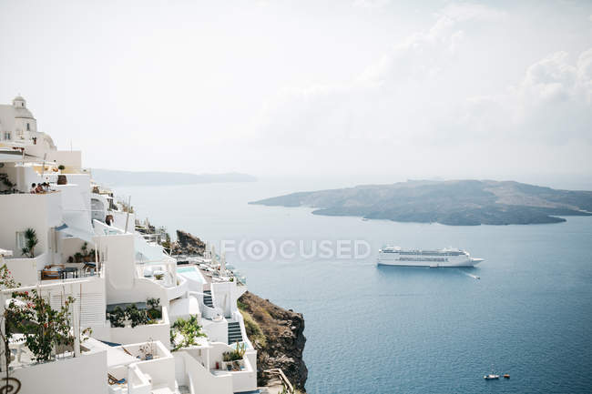 Scenic view of architecture and sea in majestic Santorini, South Aegean, Thira, Santorini, Greece — Stock Photo