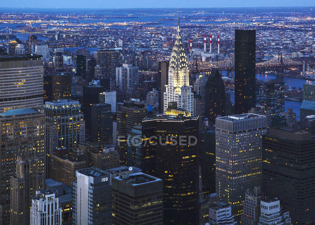 View over Manhattan with Chrysler Building, New York, USA — Stock Photo