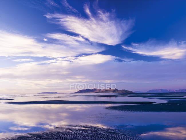 Вечернее настроение, соленое озеро, США — стоковое фото