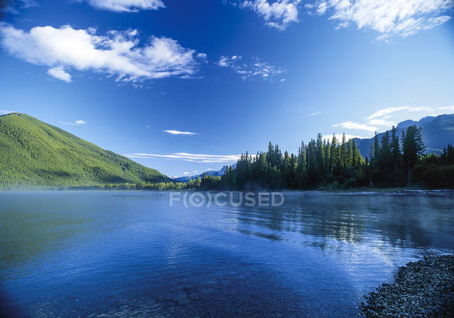 Lake in mountain landscape, British Columbia, Canada — Stock Photo