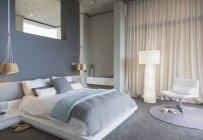 Luxury interior of modern house, bedroom — Stockfoto