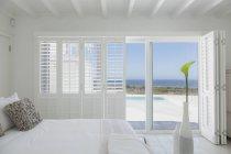 Bedroom of luxury modern house — Stock Photo
