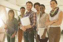 Portrait de gens d'affaires créatifs heureux — Photo de stock