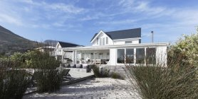 White home showcase exterior beach house — Stock Photo