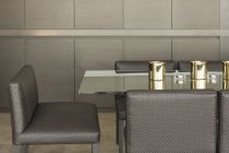 Lujo moderno hogar escaparate mesa de comedor - foto de stock