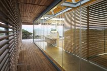Moderne Luxus nach Hause Vitrine Holz Flur — Stockfoto