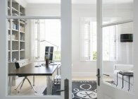 Eingang zum Luxus-home-office — Stockfoto