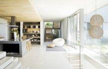 Plan de piso abierto de casa moderna - foto de stock