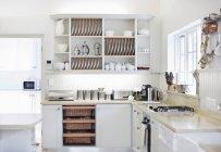 Bancadas de cozinha moderna — Fotografia de Stock