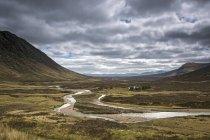 Scenic view highlands landscape, Lochan nah Achlaise, Rannoch Moor, Scotland — Stock Photo