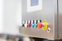 Кнопка вимушену зупинку на техніка — стокове фото