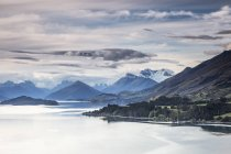 Scenic view of lake and mountains, Glenorchy, South Island New Zealand — Stock Photo