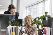 Businesswomen working at computer in office — Stock Photo