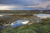 Tranquil lake view, Loch Euphoirt, North Uist, Outer Hebrides — Stock Photo