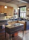 Inicio escaparate cocina interior - foto de stock