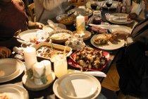 Cibo caraibico sulla tavola di Natale — Foto stock
