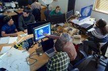 Criativos designers que trabalham, reunião n abrir escritório de plano — Fotografia de Stock