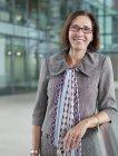 Ritratto donna d'affari sorridente e sicura di sé — Foto stock