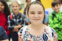 Портрет уверенного ученика средней школы — стоковое фото