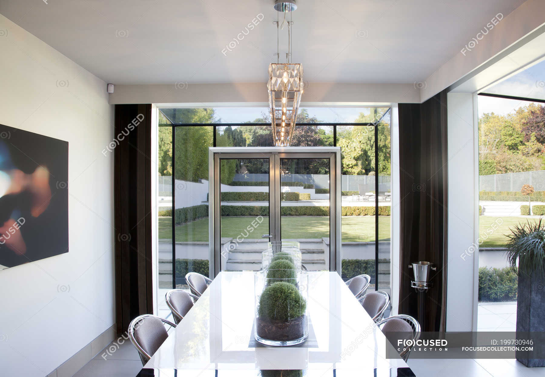 Table In Modern Dining Room, Dining Room Table Centerpieces Modern