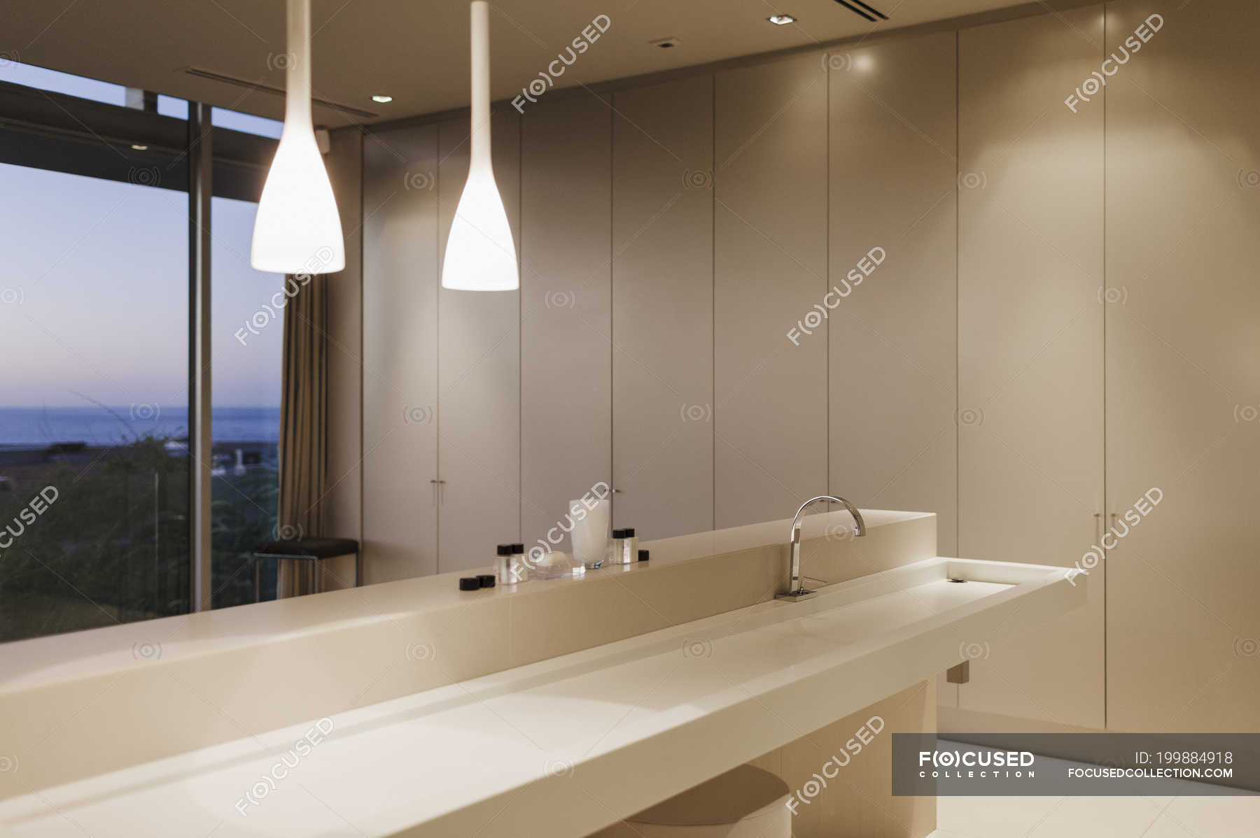 Sink and pendant lights in modern bathroom — Stock Photo   #199884918