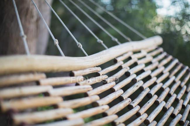 Nahaufnahme der hölzernen Hängematte — Stockfoto