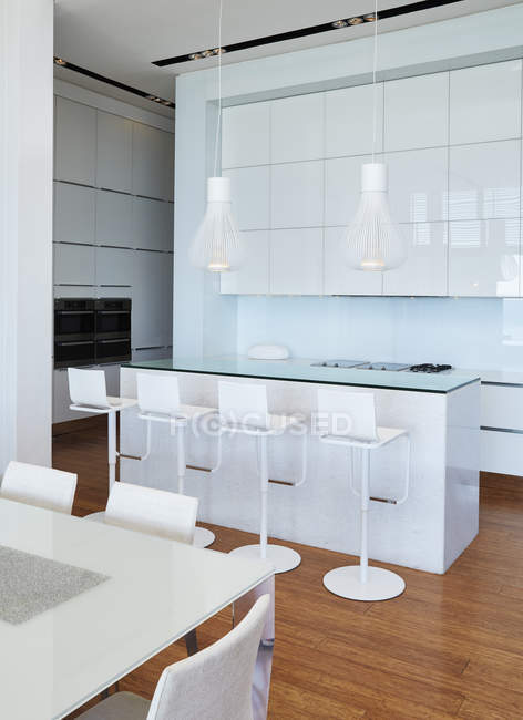 Dining room at luxury modern house — Stock Photo