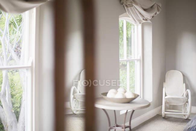 Розкішний інтер'єр спальні денний час — стокове фото