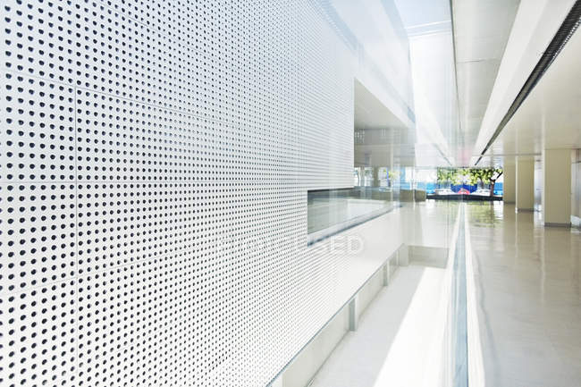Confort Bâtiment moderne pendant la journée — Photo de stock