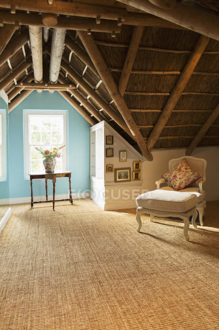 Luxury attic during daytime — Stock Photo