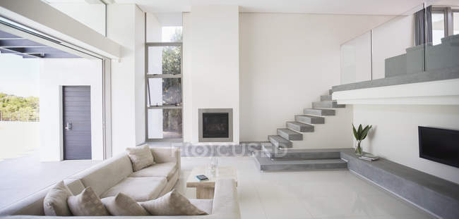 Modern living room interior during daytime — Stock Photo