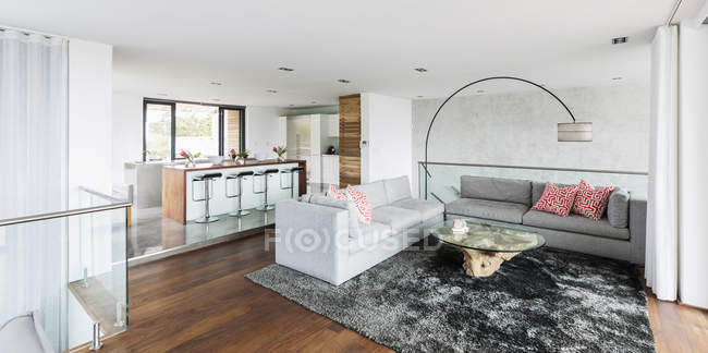 Luxury home showcase interior living room and kitchen open plan — Stock Photo