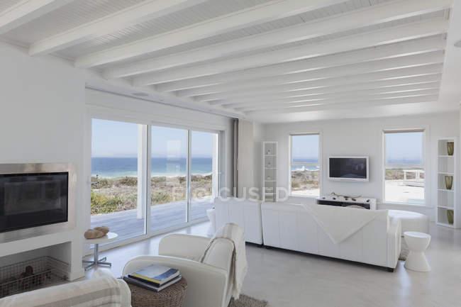 Quarto de luxo casa moderna — Fotografia de Stock