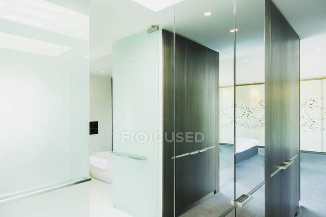 Glass walls in modern house indoors — Stock Photo