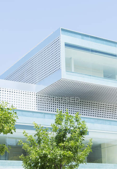 Modern building exterior during daytime — Stock Photo
