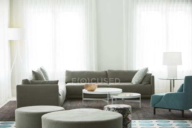Home showcase living room with sofas — Stock Photo