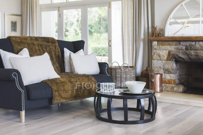 Luxury living room  indoors during daytime — Stock Photo