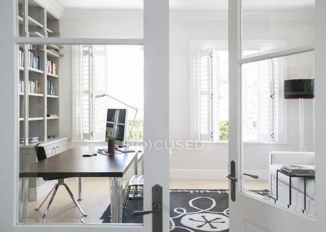 Eingang zum Luxus-home-office — Stockfoto