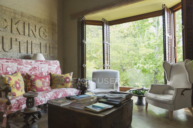 Room and opened window at luxury modern house — Stock Photo