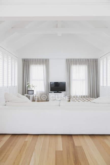 Sala de estar em casa moderna de luxo — Fotografia de Stock