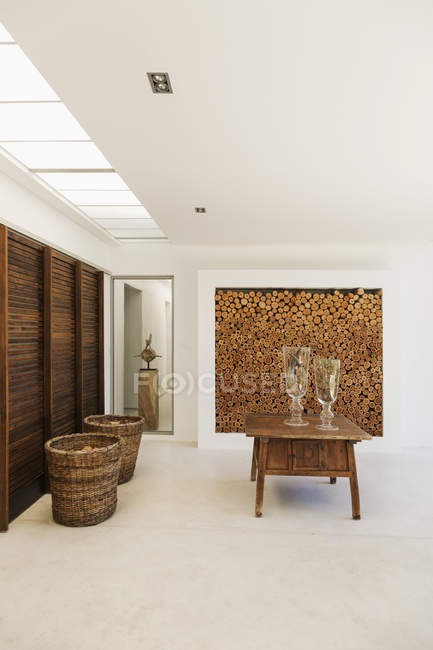 Wood accents in luxury foyer indoors — Stock Photo