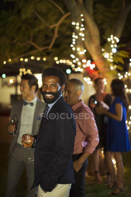 Afrikaner lacht auf Party — Stockfoto