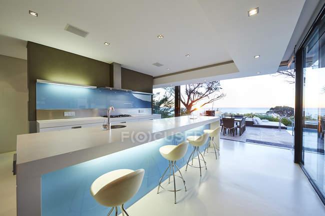 Modern luxury home showcase kitchen — Stock Photo