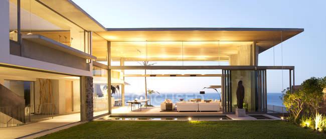Open floor plan of modern house — Stock Photo