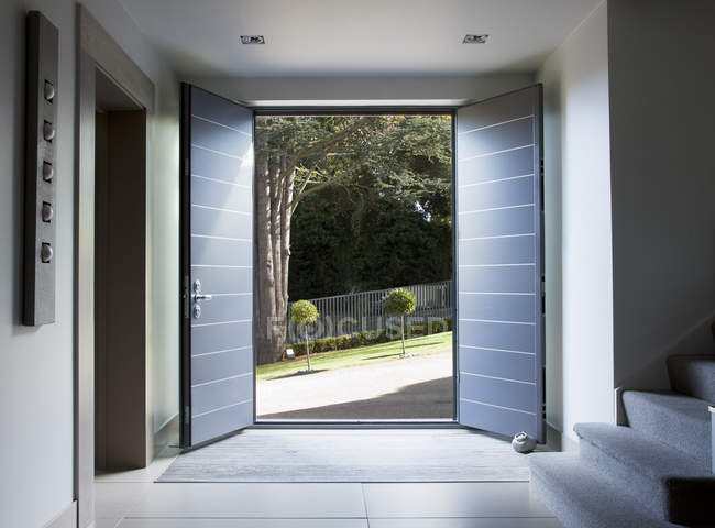 Front doors and walkway of modern home — Stock Photo